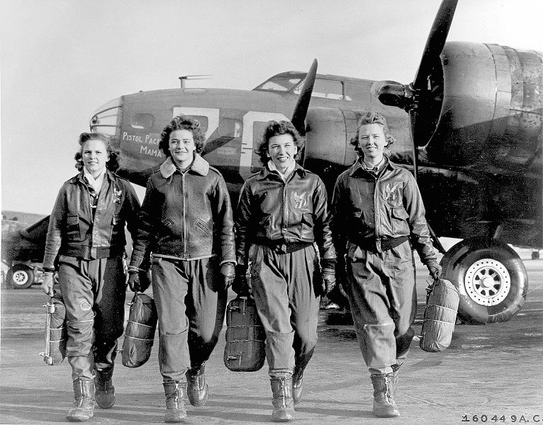 Group of WASPs - WWII